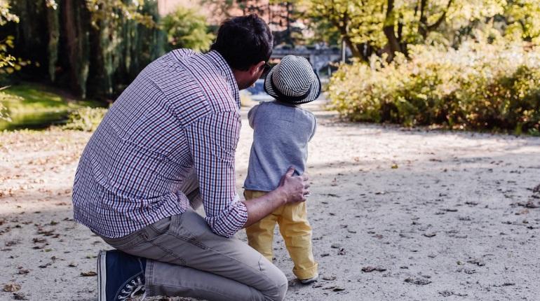 Молодой отец из Петербурга работал в декрете в Пулково — теперь ему грозит срок