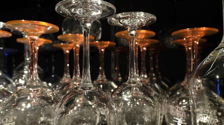 Импортер Alianta Group намерен открыть винотеку на Восстания
