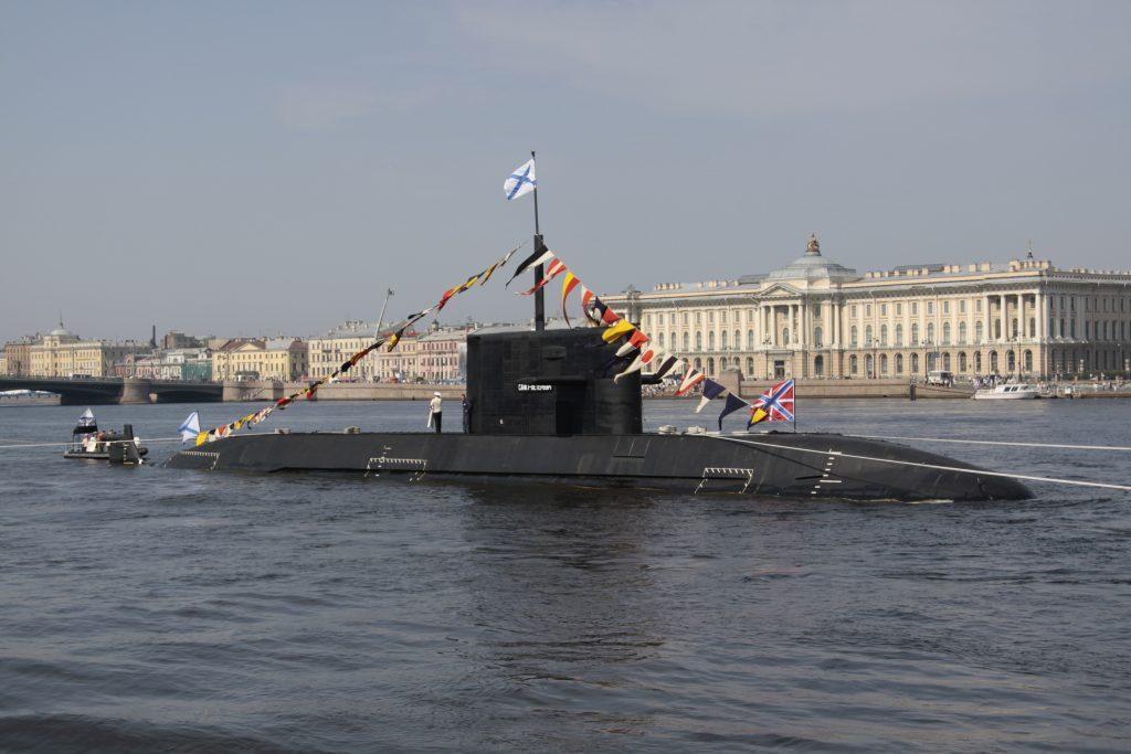 Мантуров: «Адмиралтейские верфи» Петербурга построят две подлодки «Лада»