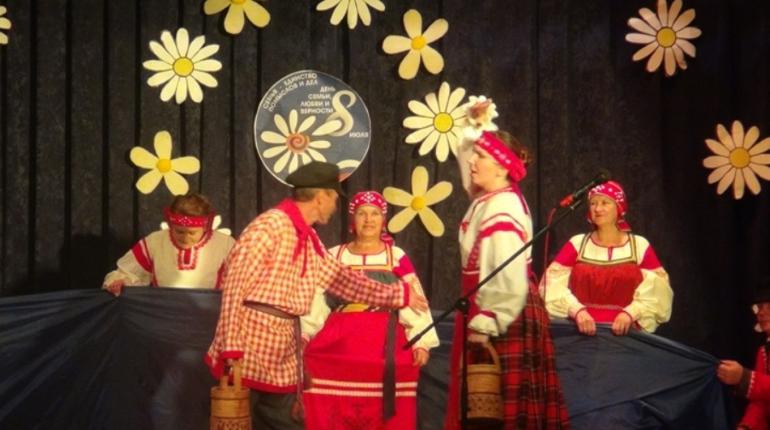 В Винницах открыли вепсский праздник «Древо жизни»