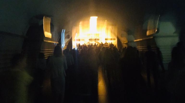 На станции «Невский проспект» отключили свет