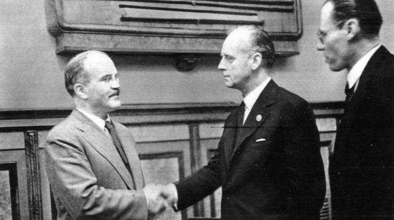 Впервые опубликованы советские оригиналы пакта Молотова — Риббентропа