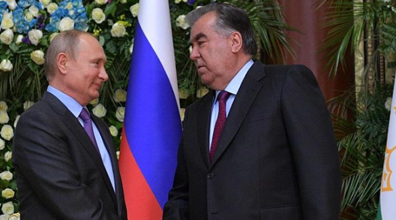 Путин прибыл во дворец Навруз на саммит