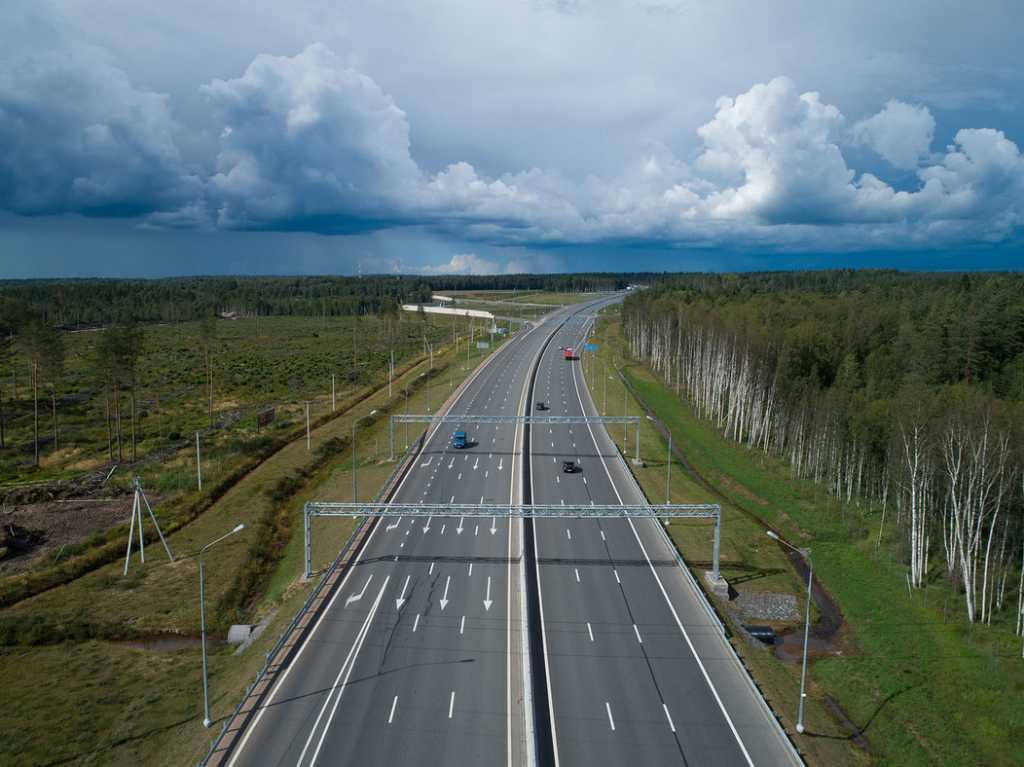Водителей грузовиков в Ленобласти загоняют на весы: они недовольны