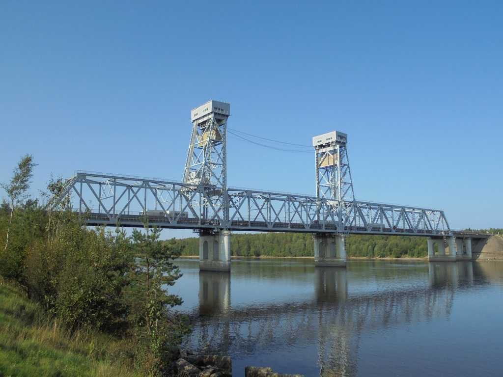 «Кола» встанет в пробку — мост у Лодейного Поля разведут на два часа