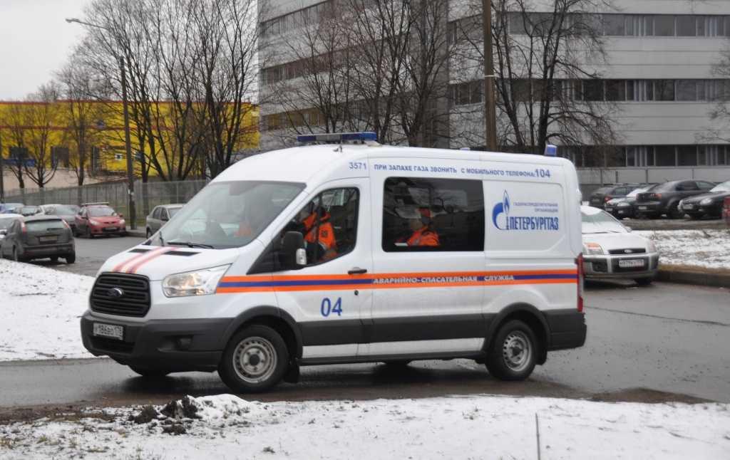 В «ПетербургГазе» пояснили, кто ответит за хлопок и выбитые стекла на Просвещения