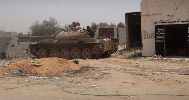 Парламент на востоке Ливии разрешил Египту вмешаться в конфликт