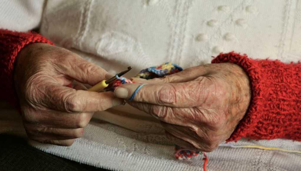 В России упростят трудоустройство для женщин с детьми и пожилых людей