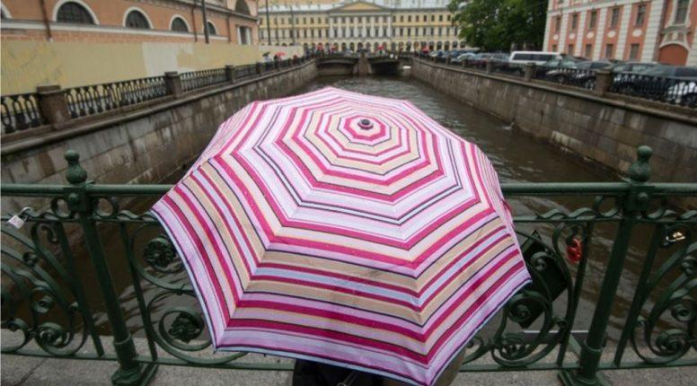 Петербуржцев во вторник ждут дождь и +18