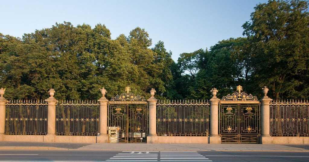Петербургские депутаты потребовали сделать парки бесплатными