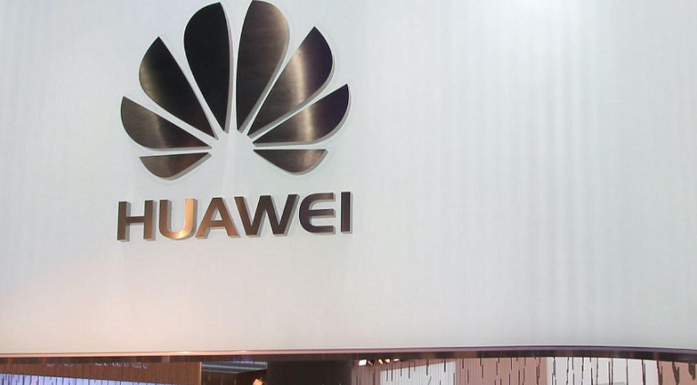 Huawei выпустила миллион смартфонов со своей ОС