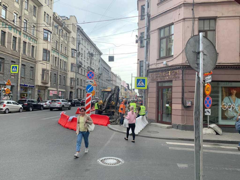 В трёх районах Петербурга ограничат движение на 1-2 месяца
