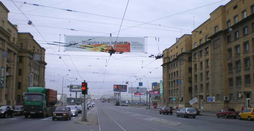 «Очистку» неба Петербурга от проводов оценили в три миллиарда рублей
