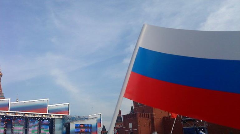 День России в Петербурге: парад оркестров и фестиваль цветов