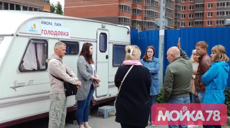 К голодающим дольщикам «Ижора парка» в Металлострое пришла полиция