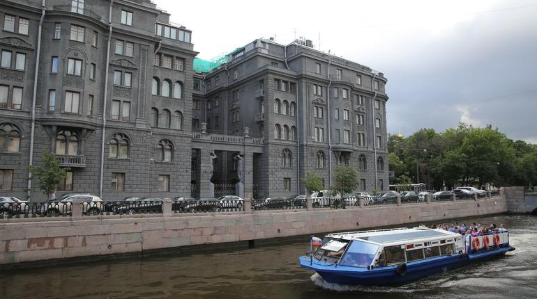 Эксперты рассказали, что помогает удержаться на плаву речному бизнесу Петербурга