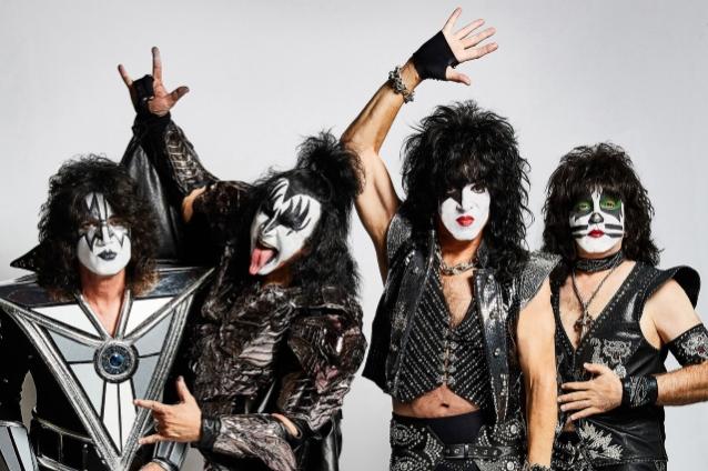 Kiss провели прощальный концерт в Петербурге