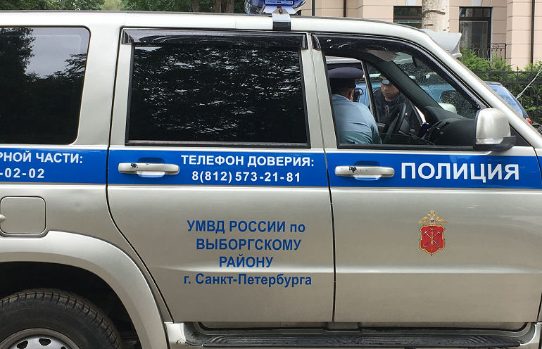На Садовой двое мужчин ограбили артиста балета Михайловского театра