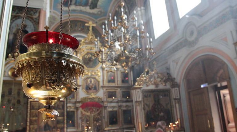 РПЦ призвала православных в Страстную неделю и на Пасху молиться дома