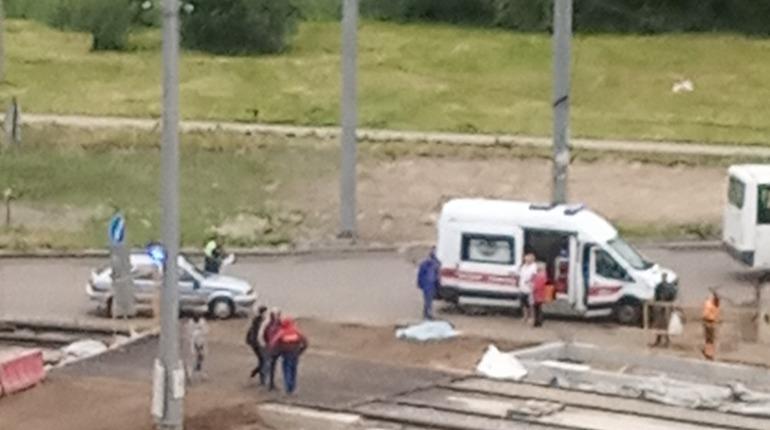 Трактор задавил петербурженку на Ржевской площади