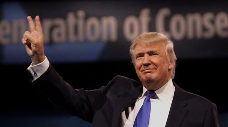 Трамп признал, что США скупили почти все мировые запасы лекарства от коронавируса