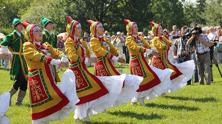 16 июня в Петербурге: День отца и якутский праздник Ысыах