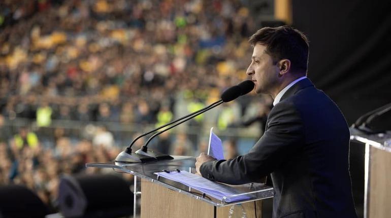 Зеленский назвал шокирующим Европу поведение Порошенко