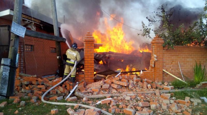 Под Тюменью при взрыве газа в жилом доме погибли двое