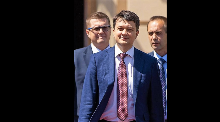 В партии Зеленского выбрали спикера Верховной Рады