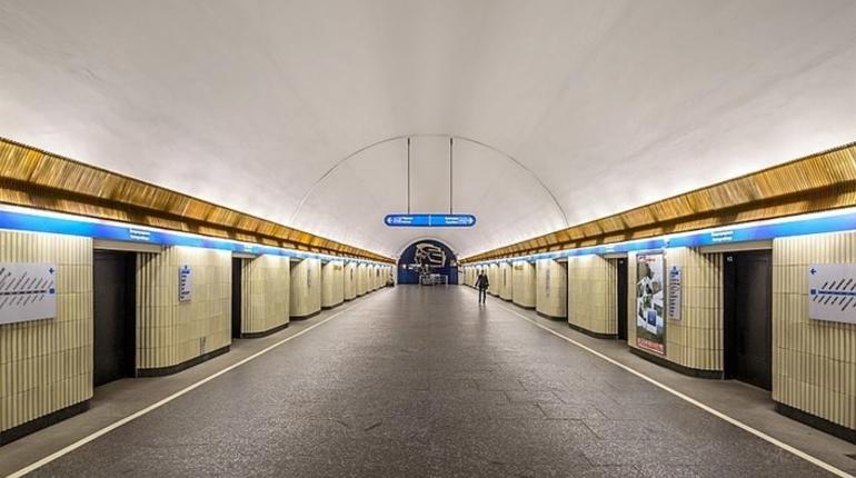 Ремонт эскалатора ограничит доступ на «Петроградскую»