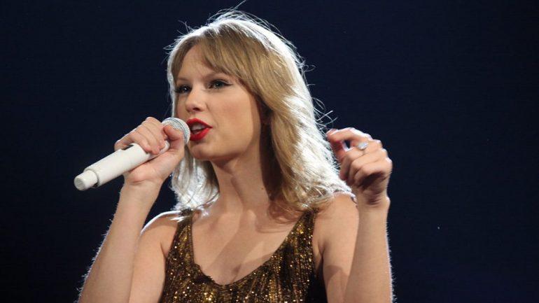 Billboard признал Тейлор Свифт лучшей женщиной десятилетия