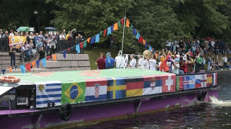 7 июля в Петербурге: речной карнавал и фестиваль «Александрийская карусель»