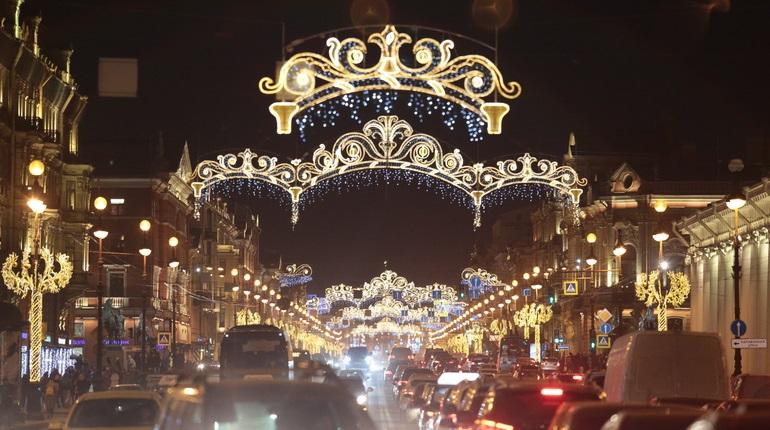 Смольный потратит 101 млн на новогодние украшения города