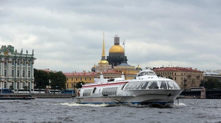 Между Петербургом и Кронштадтом начали курсировать «Метеоры»
