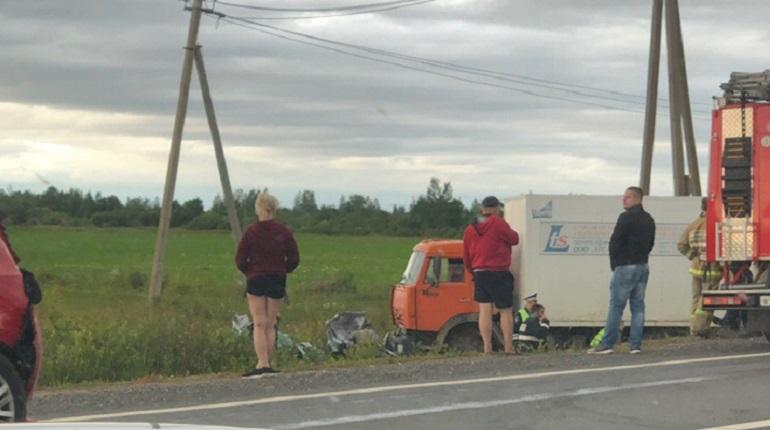 «КамАЗ» раздавил три машины на «Коле», погиб подросток
