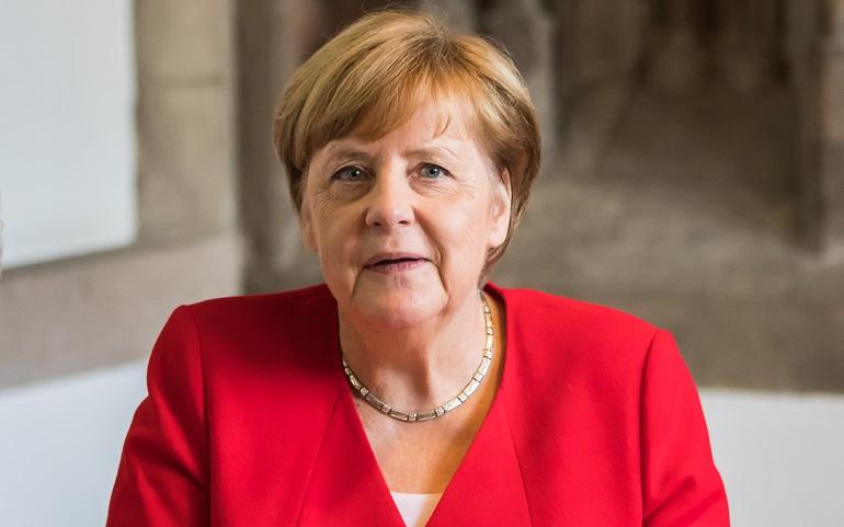 Меркель сообщила, когда Евросоюз отреагирует на ситуацию с Навальным