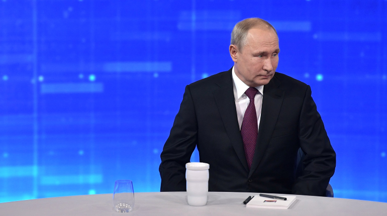 Путин указал на проблему нехватки квалифицированных кадров