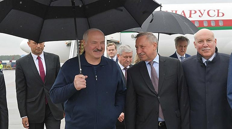 Лукашенко прилетел в Петербург и улетел на Валаам