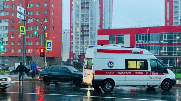 LADA сбила пешехода на Ленинском проспекте