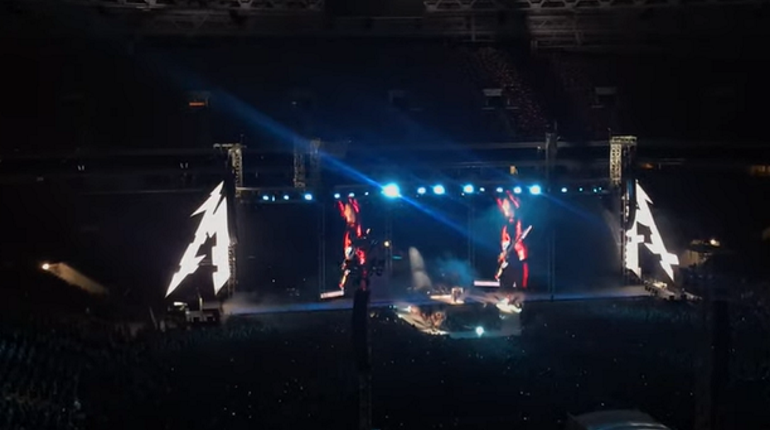Metallica спела «Группу крови» на концерте в Москве