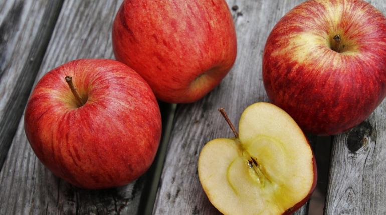 Врач рассказала о связи фруктов и болезни печени