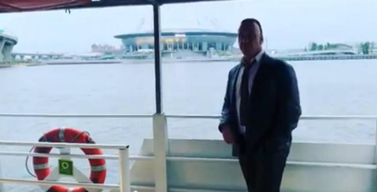 Музыканты Rammstein гуляют по Петербургу