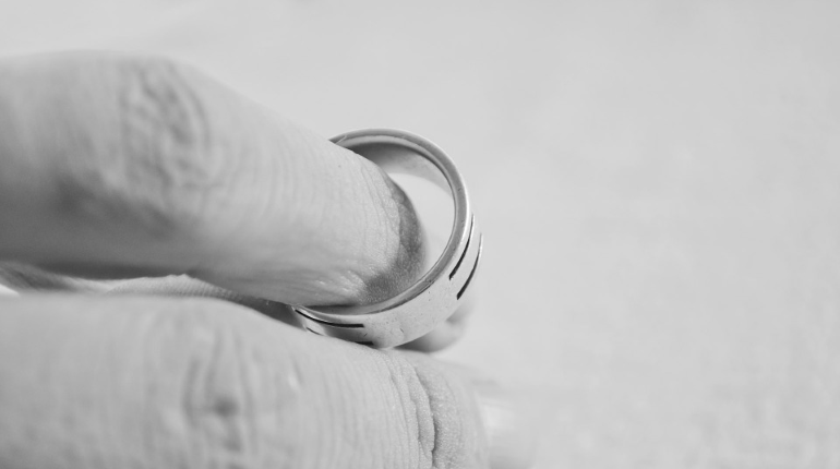 Жительница ОАЭ подала на развод из-за отсутствия ссор с мужем