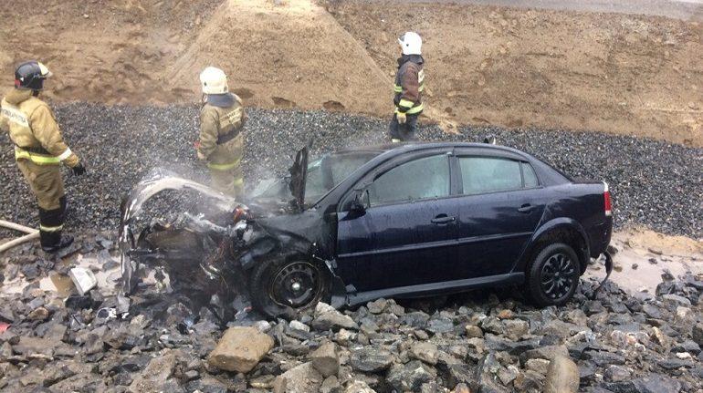 В Курортном районе водитель улетел в кювет, сбил светофор и был госпитализирован