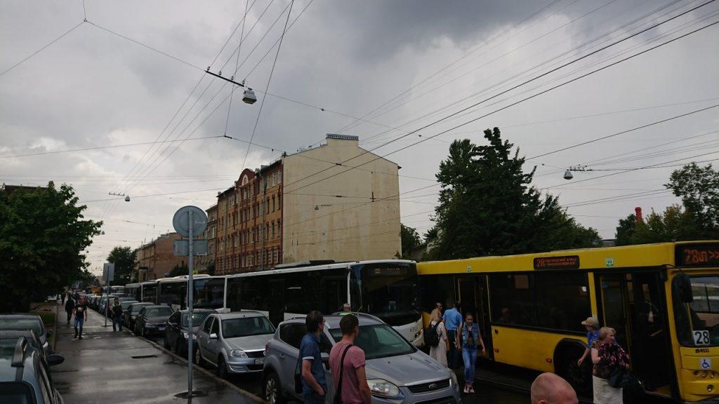 Двойное ДТП на Кондратьевском вызвало гигантскую пробку