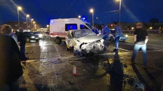 Суд прекратил дело о внезапной разводке Володарского моста
