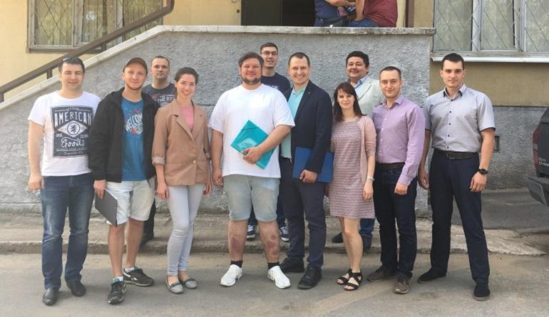 Активисты Ленобласти идут в муниципальные депутаты