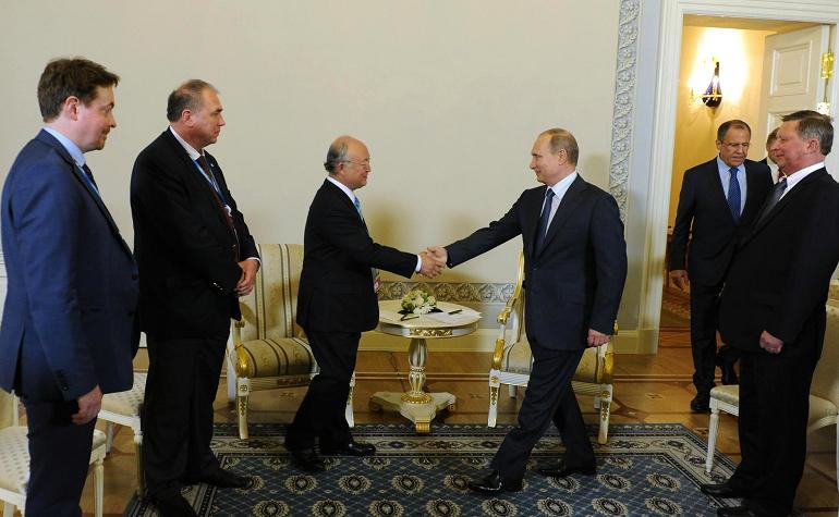 Путин направил телеграмму с соболезнованиями жене скончавшегося Юкия Амано