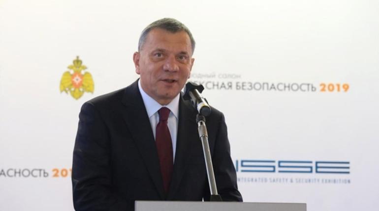 Вице-премьер Борисов прервал главу ОСК и прошел мимо модели «Ламантина»
