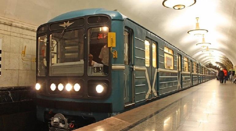 Москвичка сняла трусы в метро, чтобы ей уступили место